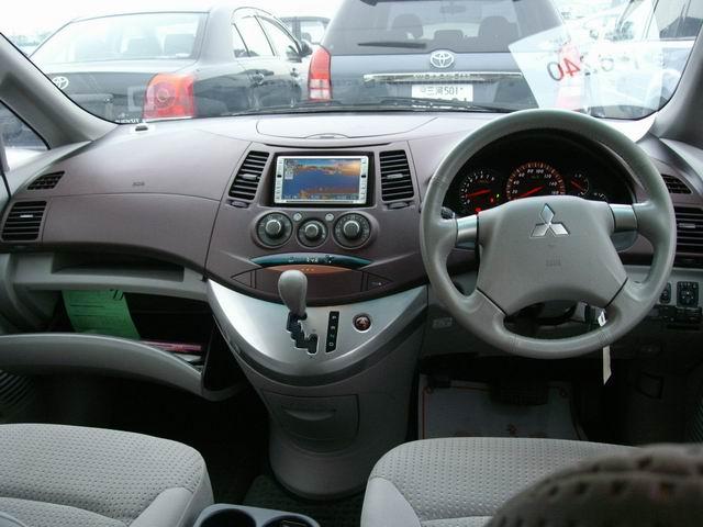 фото митсубиси грандис правый руль своих